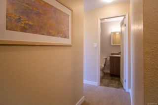 Photo 3: 403 1630 Quadra St in : Vi Central Park Condo for sale (Victoria)  : MLS®# 883104