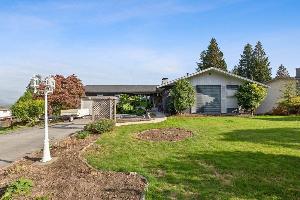 """Main Photo: 3053 FLEET Street in Coquitlam: Ranch Park House for sale in """"RANCH PARK"""" : MLS®# R2506629"""