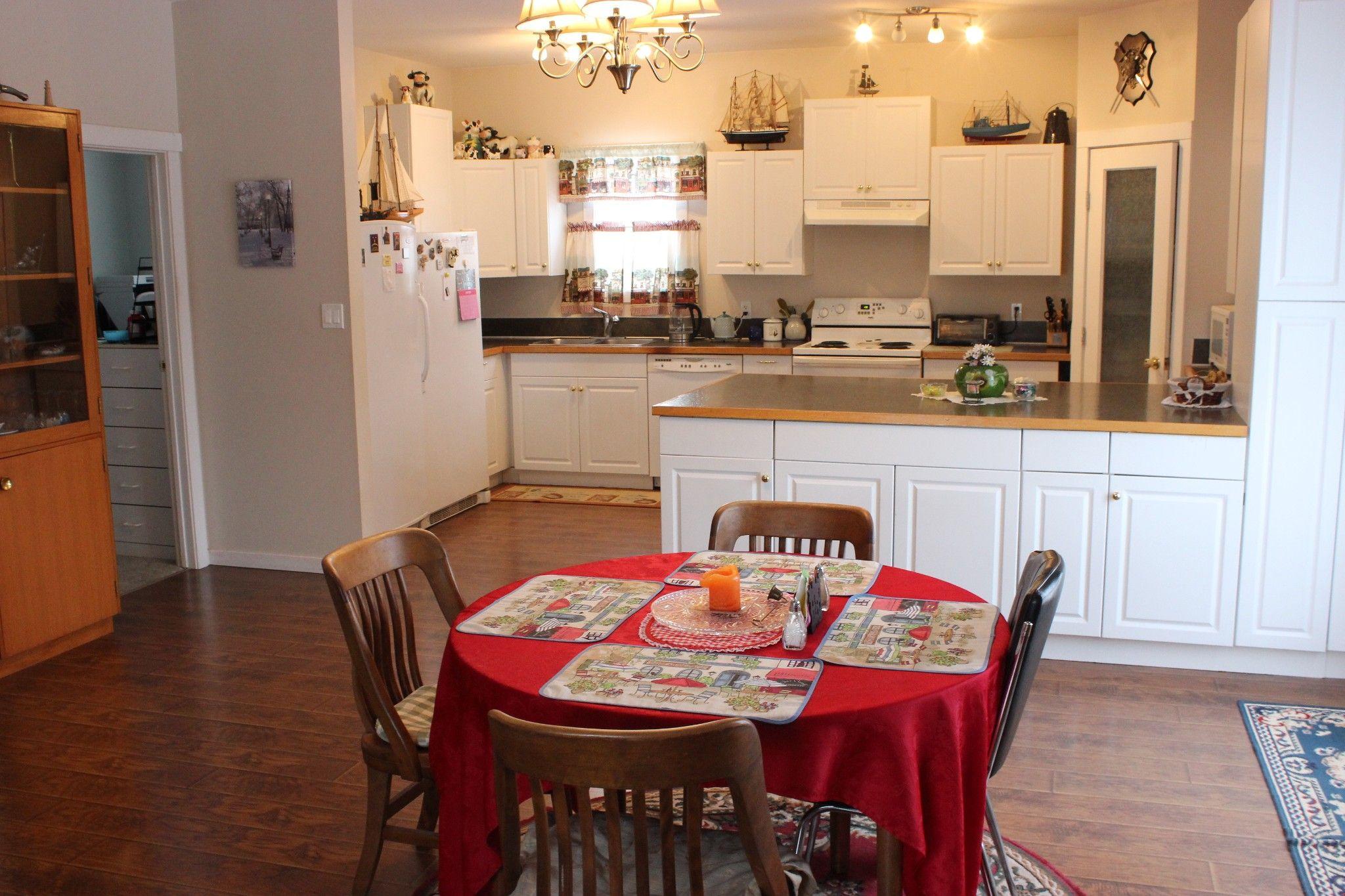 Photo 7: Photos: 401 McLean Road: Barriere House for sale (Kamloops)  : MLS®# 160200