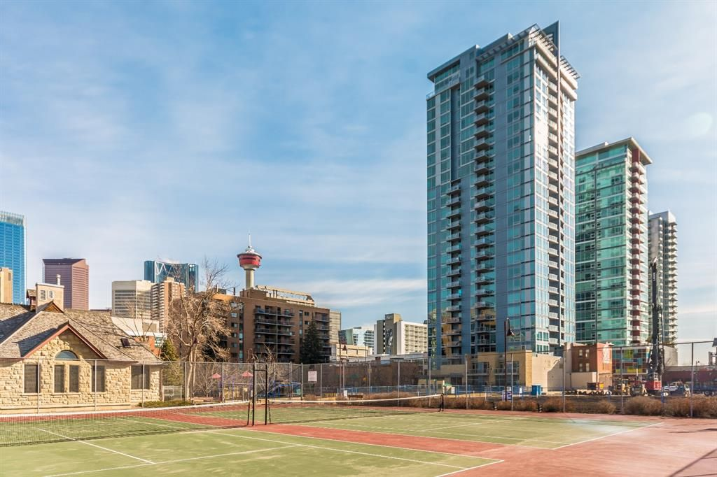 Main Photo: 702 215 13 Avenue SW in Calgary: Beltline Apartment for sale : MLS®# A1093918