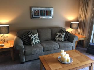 """Photo 2: 214 9857 MANCHESTER Drive in Burnaby: Cariboo Condo for sale in """"BARCLAY WOODS"""" (Burnaby North)  : MLS®# R2145795"""