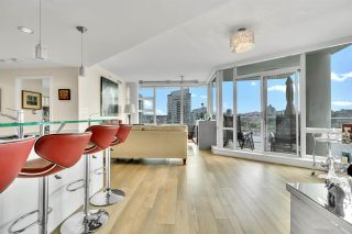 Photo 3: 1801 638 BEACH CRESCENT in Vancouver: Yaletown Condo for sale (Vancouver West)  : MLS®# R2485119