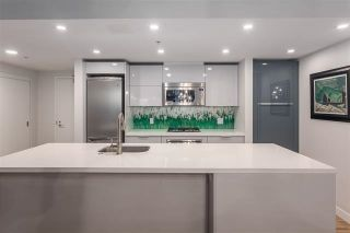 """Photo 4: 901 128 W CORDOVA Street in Vancouver: Downtown VW Condo for sale in """"WOODWARDS"""" (Vancouver West)  : MLS®# R2202808"""