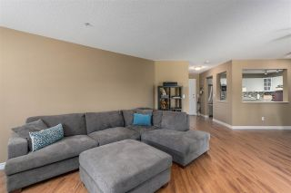 "Photo 5: 207 20894 57 Avenue in Langley: Langley City Condo for sale in ""BAYBERRY LANE"" : MLS®# R2297112"