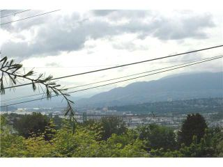 Photo 2: 4850 BESSBOROUGH Drive in Burnaby: Capitol Hill BN House for sale (Burnaby North)  : MLS®# V833777