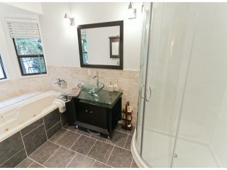 """Photo 9: 5915 BOUNDARY Place in Surrey: Panorama Ridge House for sale in """"BOUNDARY PARK"""" : MLS®# F1325134"""