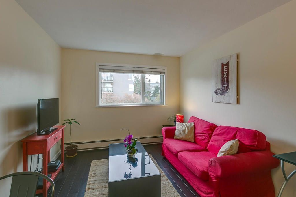 """Photo 5: Photos: 306 33 TEMPLETON Avenue in Vancouver: Hastings Condo for sale in """"North Templeton"""" (Vancouver East)  : MLS®# R2149760"""
