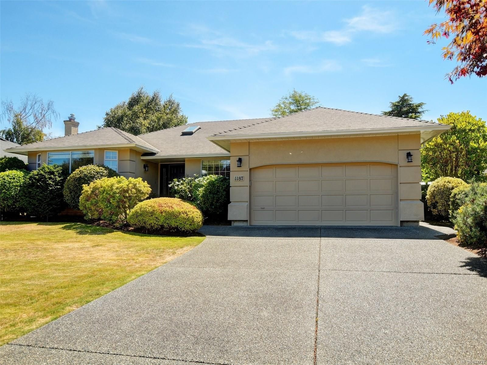 Main Photo: 1187 SLOAN Terr in : SE Sunnymead House for sale (Saanich East)  : MLS®# 883777