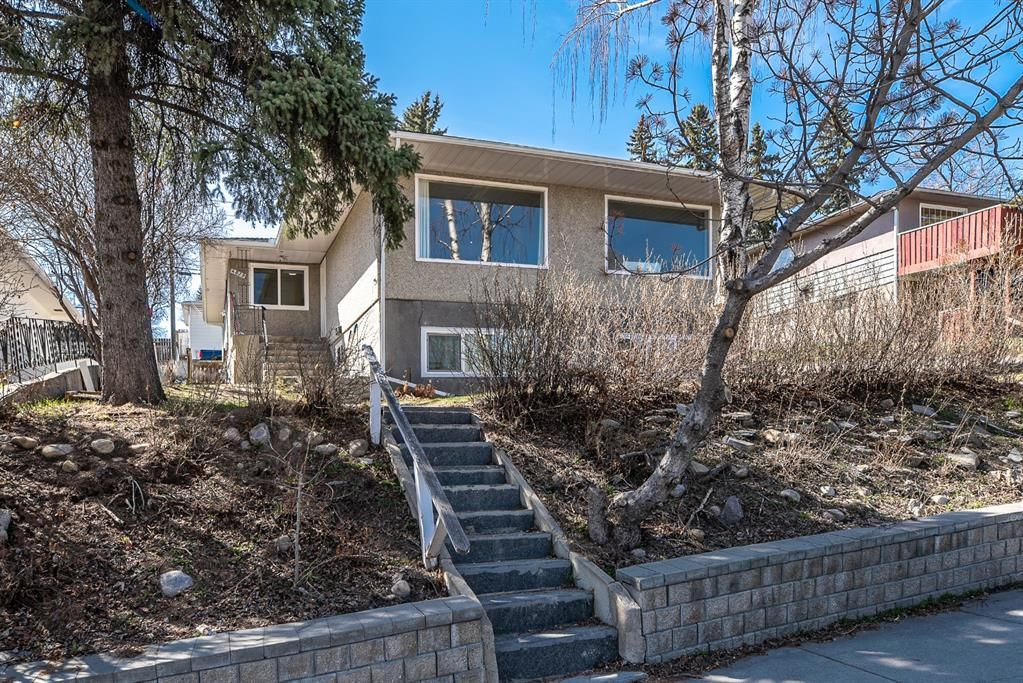Main Photo: 4619 4 Street NW in Calgary: Highwood Duplex for sale : MLS®# A1101680