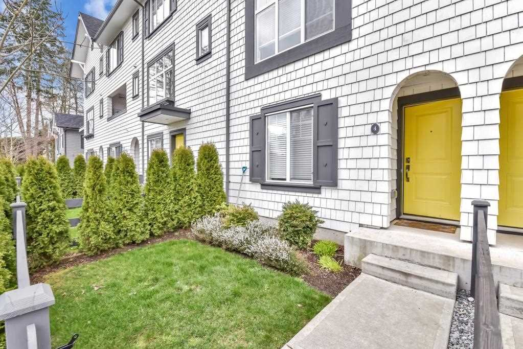 """Main Photo: 4 16357 15 Avenue in Surrey: King George Corridor Townhouse for sale in """"Dawson's Creek"""" (South Surrey White Rock)  : MLS®# R2578591"""