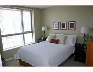 """Photo 8: 1006 833 AGNES Street in New_Westminster: Downtown NW Condo for sale in """"THE NEWS"""" (New Westminster)  : MLS®# V759639"""