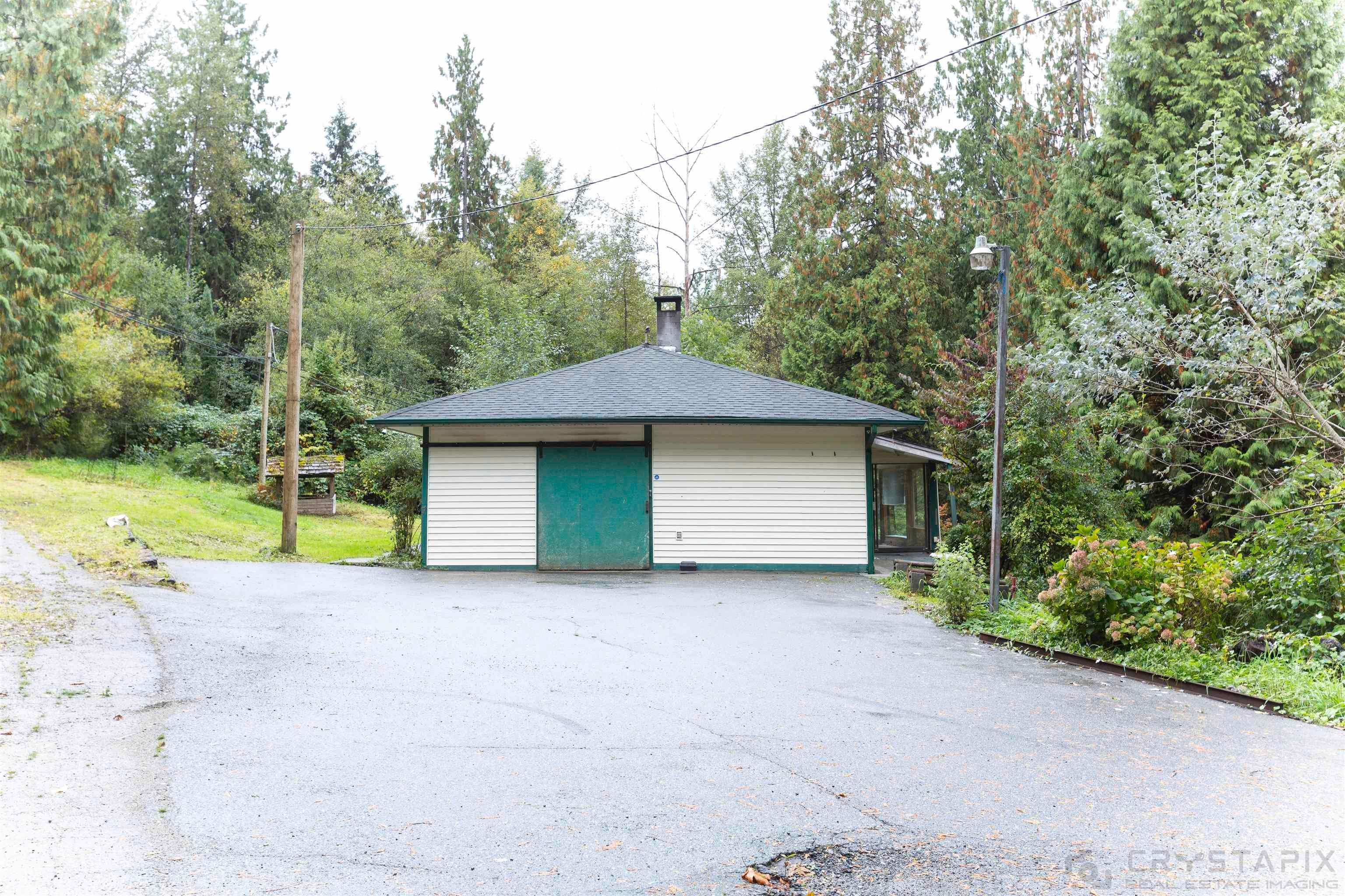 Main Photo: 26546 DEWDNEY TRUNK Road in Maple Ridge: Websters Corners House for sale : MLS®# R2622440