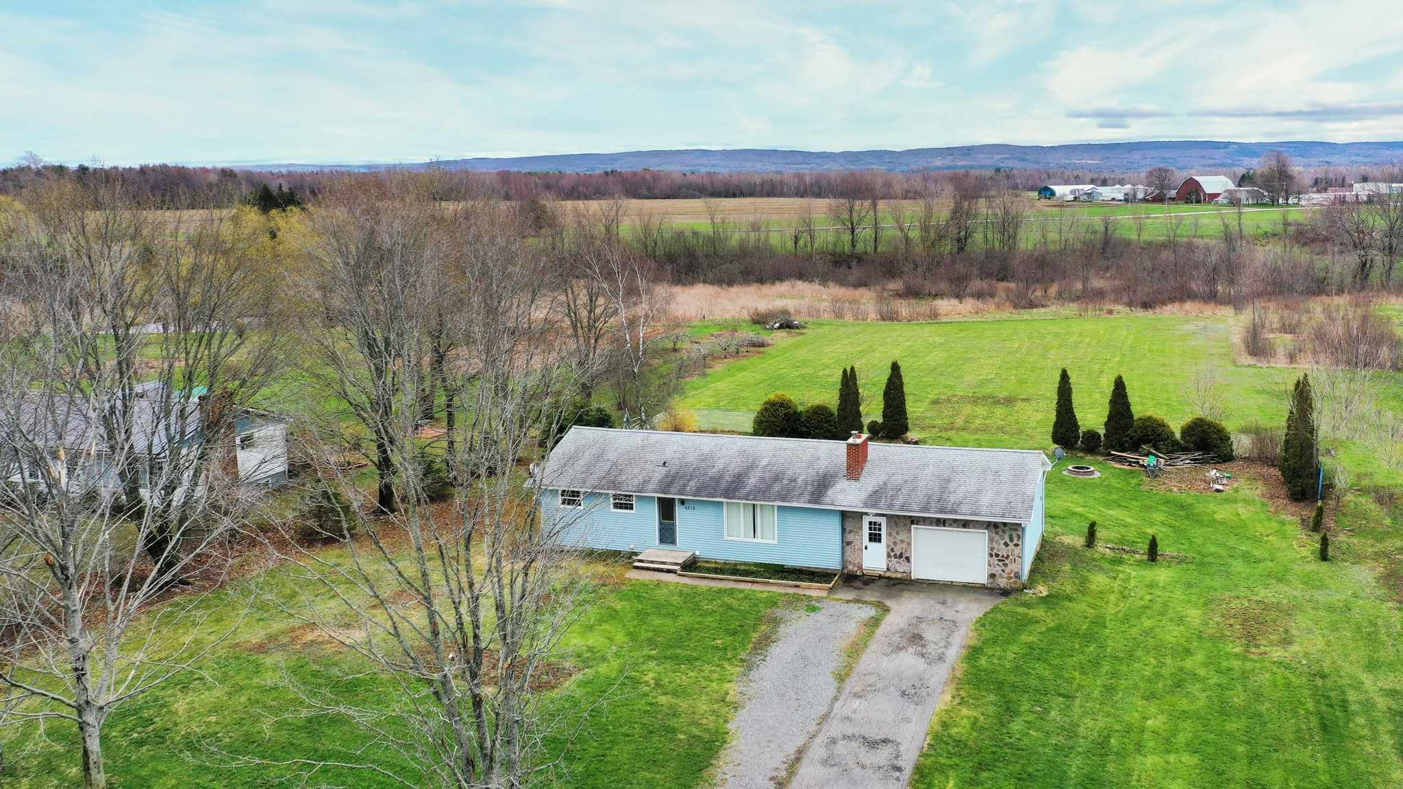 Main Photo: 4514 Brooklyn Street in Somerset: 404-Kings County Residential for sale (Annapolis Valley)  : MLS®# 202109976