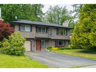 Photo 1: 35371 WELLS GRAY Avenue in Abbotsford: Abbotsford East House for sale : MLS®# R2462573