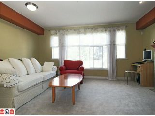 """Photo 3: 28 6450 199TH Street in Langley: Willoughby Heights Townhouse for sale in """"LOGANS LANDING"""" : MLS®# F1019917"""