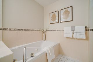 """Photo 18: 10E 6128 PATTERSON Avenue in Burnaby: Metrotown Condo for sale in """"Grand Central Park Place"""" (Burnaby South)  : MLS®# R2454140"""