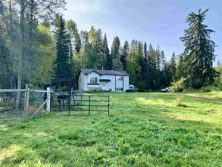 Photo 4: 23552 RIDGE Road in Smithers: Smithers - Rural House for sale (Smithers And Area (Zone 54))  : MLS®# R2498537