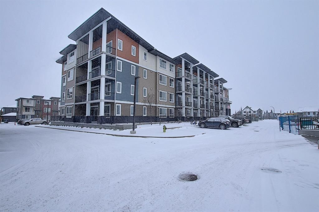 Main Photo: 202 35 Walgrove Walk in Calgary: Walden Apartment for sale : MLS®# A1076362
