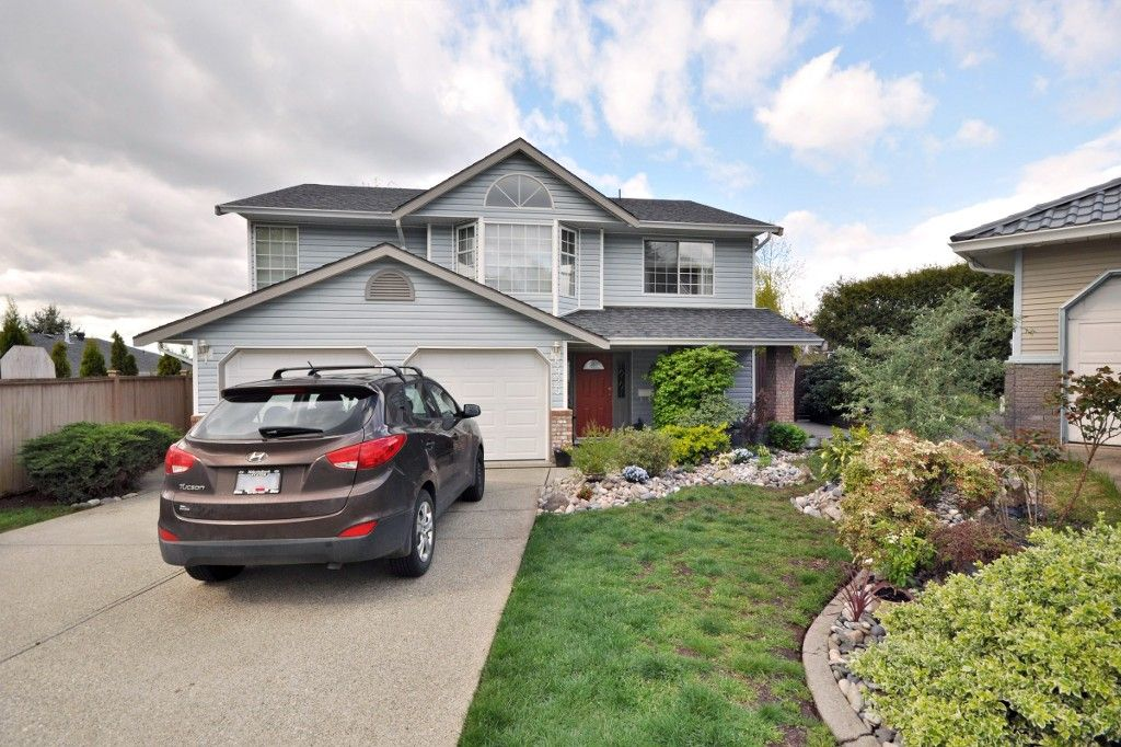 """Main Photo: 3925 WATERTON Crescent in Abbotsford: Abbotsford East House for sale in """"Sandyhill"""" : MLS®# R2052905"""