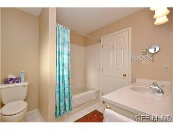 Photo 16: Photos: 3 10045 Fifth St in SIDNEY: Si Sidney North-East Row/Townhouse for sale (Sidney)  : MLS®# 595091