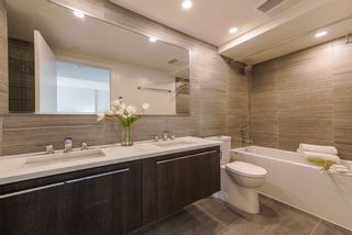 """Photo 13: 2303 285 E 10TH Avenue in Vancouver: Mount Pleasant VE Condo for sale in """"The Independent"""" (Vancouver East)  : MLS®# R2418764"""