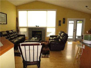 Photo 16: 39 VALLEY CREEK Crescent NW in Calgary: Valley Ridge Residential Detached Single Family for sale : MLS®# C3633458