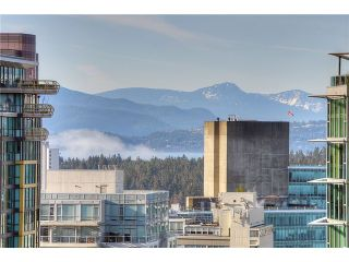 """Photo 10: 2406 1239 W GEORGIA Street in Vancouver: Coal Harbour Condo for sale in """"VENUS"""" (Vancouver West)  : MLS®# V929184"""