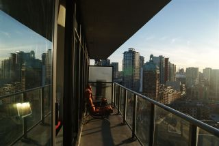 """Photo 15: 1906 108 W CORDOVA Street in Vancouver: Downtown VW Condo for sale in """"WOODWARDS W32"""" (Vancouver West)  : MLS®# R2138869"""