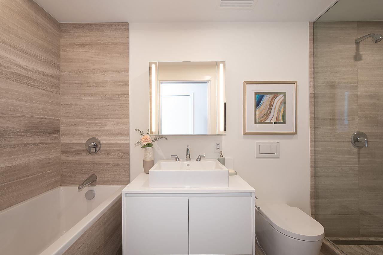 """Photo 24: Photos: 3703 1480 HOWE Street in Vancouver: Yaletown Condo for sale in """"Vancouver House"""" (Vancouver West)  : MLS®# R2527999"""