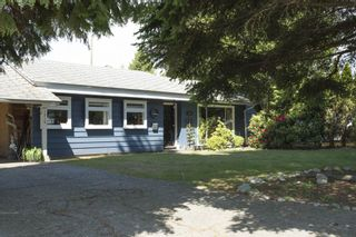"""Photo 1: 1315 FERNWOOD Crescent in North Vancouver: Norgate House for sale in """"Norgate"""" : MLS®# R2066595"""