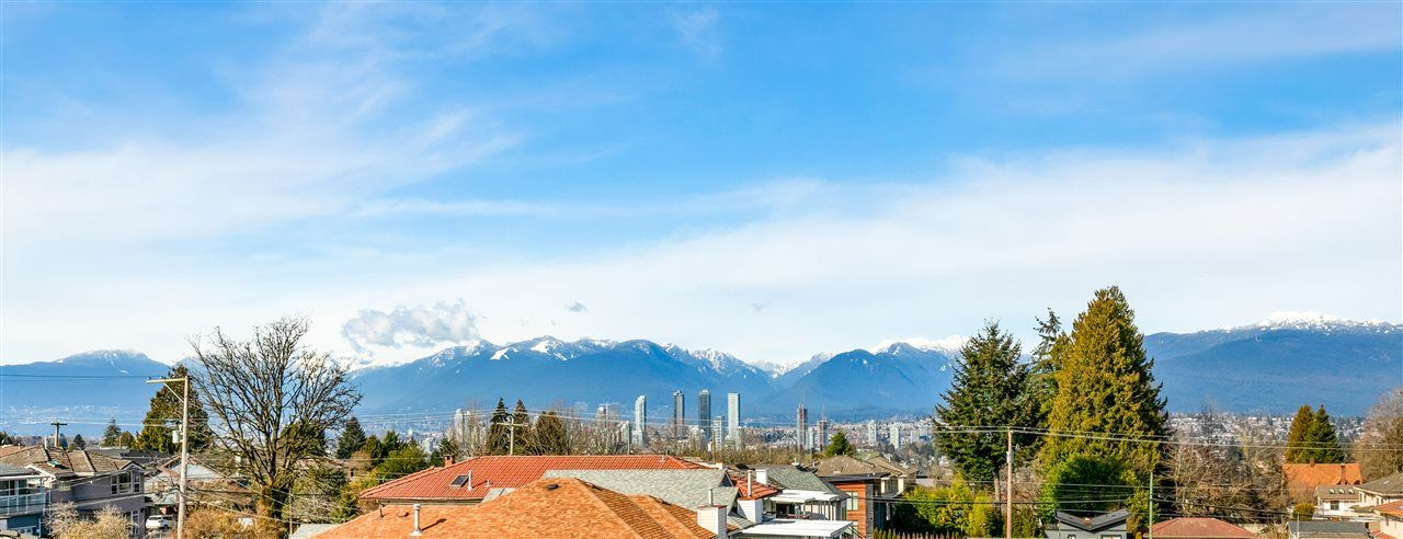 Main Photo: 6514 SELMA Avenue in Burnaby: Forest Glen BS Townhouse for sale (Burnaby South)  : MLS®# R2549174