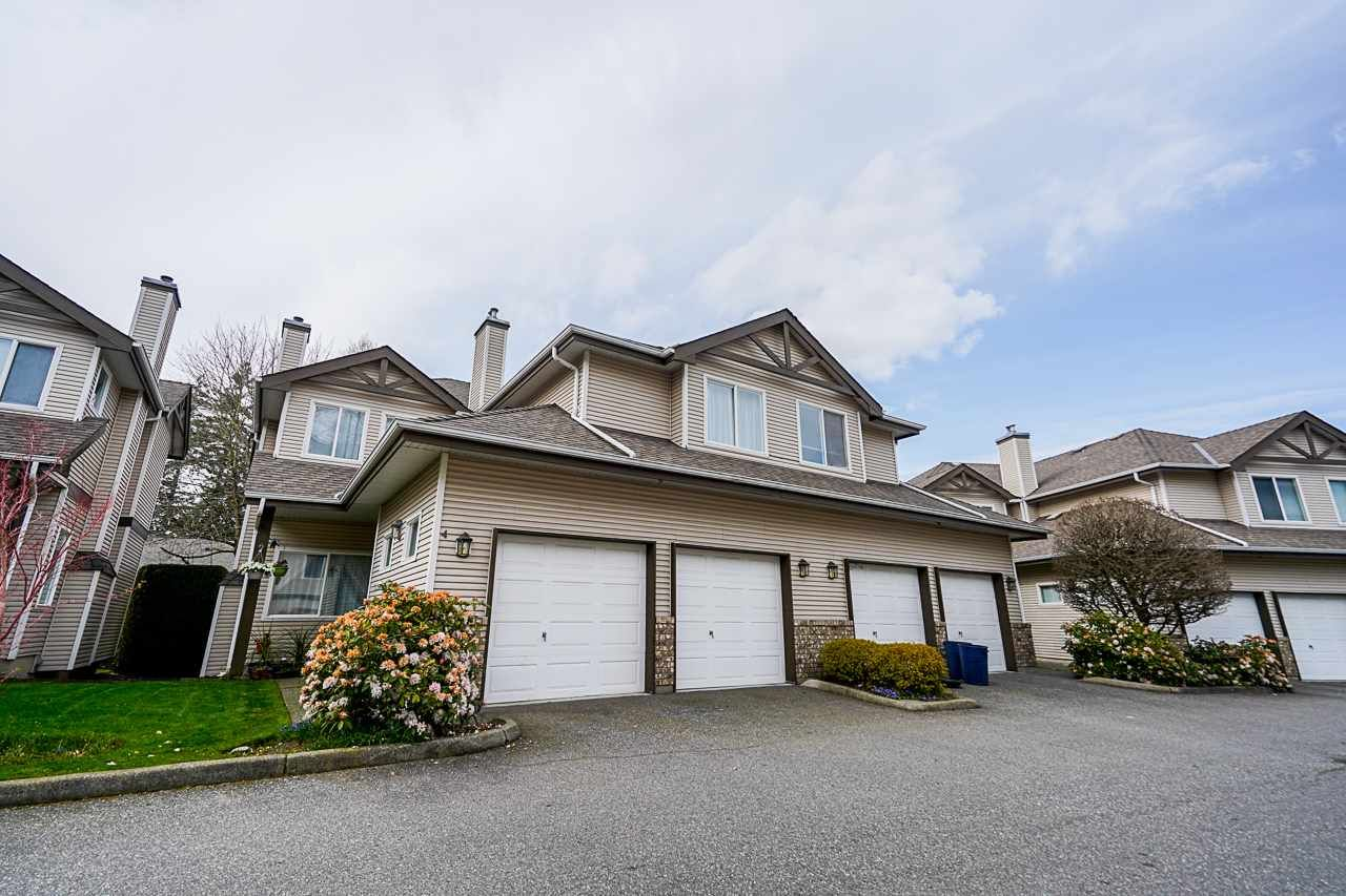 """Main Photo: 4 20750 TELEGRAPH Trail in Langley: Walnut Grove Townhouse for sale in """"Heritage Glen"""" : MLS®# R2563994"""