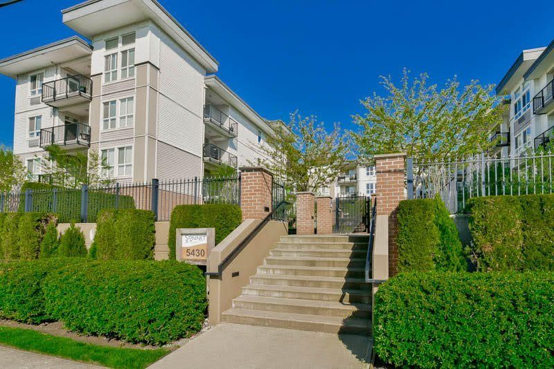 """Main Photo: 312 5430 201 Street in Langley: Langley City Condo for sale in """"The Sonnet"""" : MLS®# R2118846"""
