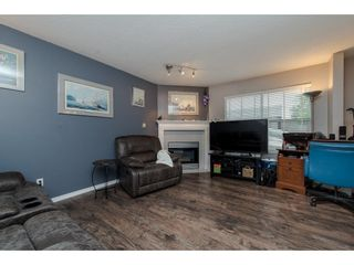 """Photo 11: 16 36060 OLD YALE Road in Abbotsford: Abbotsford East Townhouse for sale in """"Mountain View Village"""" : MLS®# R2269722"""