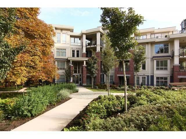 Main Photo: # 107 245 ROSS DR in New Westminster: Fraserview NW Condo for sale : MLS®# V1035272