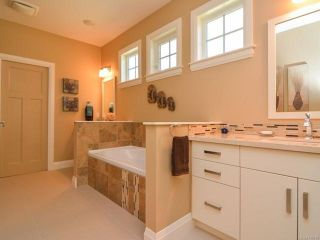 Photo 20: 105 1055 Crown Isle Dr in COURTENAY: CV Crown Isle Row/Townhouse for sale (Comox Valley)  : MLS®# 740518