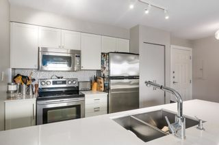 """Photo 2: 412 997 W 22ND Avenue in Vancouver: Shaughnessy Condo for sale in """"THE CRESCENT IN SHAUGHNESSY"""" (Vancouver West)  : MLS®# R2005322"""