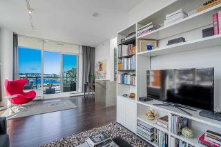 """Photo 21: 1702 1708 COLUMBIA Street in Vancouver: Mount Pleasant VW Condo for sale in """"Wall Centre False Creek"""" (Vancouver West)  : MLS®# R2580995"""
