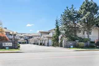 """Photo 1: 33 19060 FORD Road in Pitt Meadows: Central Meadows Townhouse for sale in """"Regency Court"""" : MLS®# R2170319"""