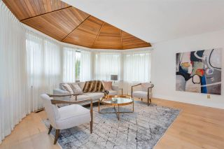 "Photo 3: 10618 GLENWOOD Drive in Surrey: Fraser Heights House for sale in ""Fraser Heights"" (North Surrey)  : MLS®# R2539009"