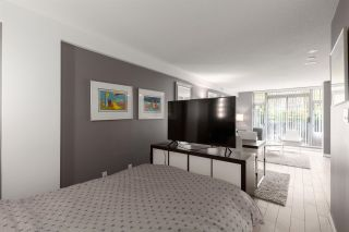 """Photo 10: 160 COOPER'S Mews in Vancouver: Yaletown Townhouse for sale in """"QUAY WEST"""" (Vancouver West)  : MLS®# R2608251"""