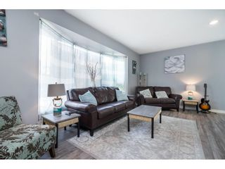 Photo 5: 7753 TAULBUT Street in Mission: Mission BC House for sale : MLS®# R2612358