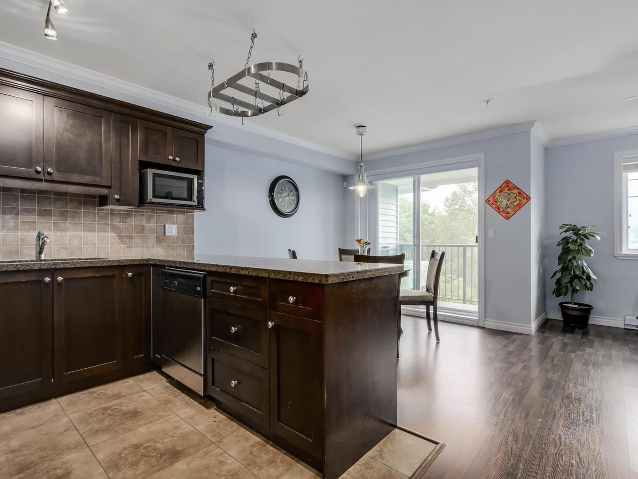 """Photo 7: Photos: 10 11255 132 Street in Surrey: Bridgeview Townhouse for sale in """"FRASERVIEW TERRACE"""" (North Surrey)  : MLS®# R2086692"""