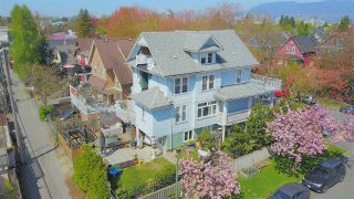 Photo 2: 792 E 15TH Avenue in Vancouver: Mount Pleasant VE House for sale (Vancouver East)  : MLS®# R2567421
