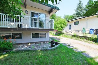 Photo 1: 404 28 Avenue NE in Calgary: Winston Heights/Mountview Semi Detached for sale : MLS®# A1117362