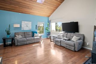 Photo 3: 1401 Hastings St in : SW Strawberry Vale House for sale (Saanich West)  : MLS®# 885984