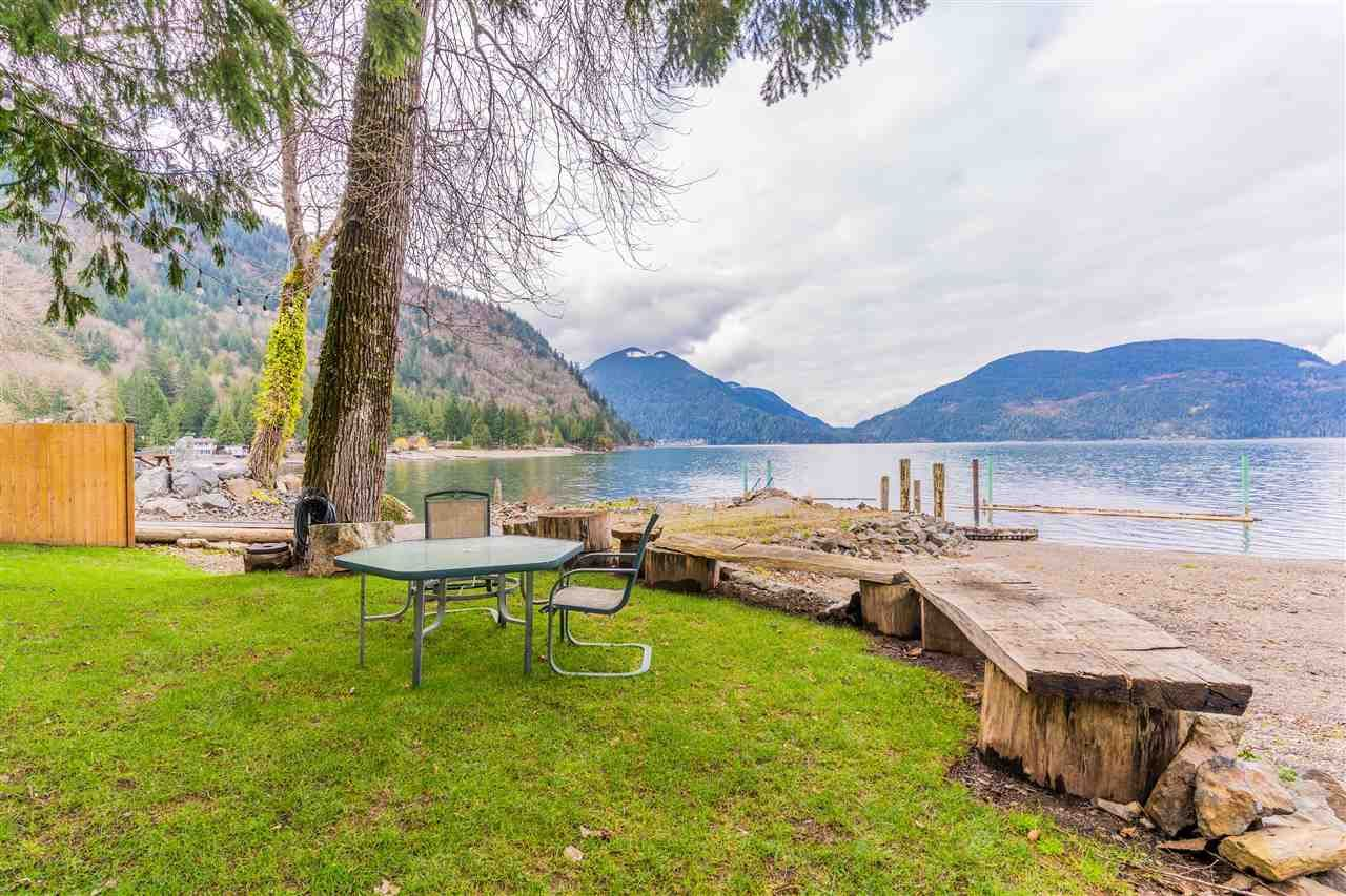 Main Photo: 6535 ROCKWELL DR, HARRISON HOT SPRINGS