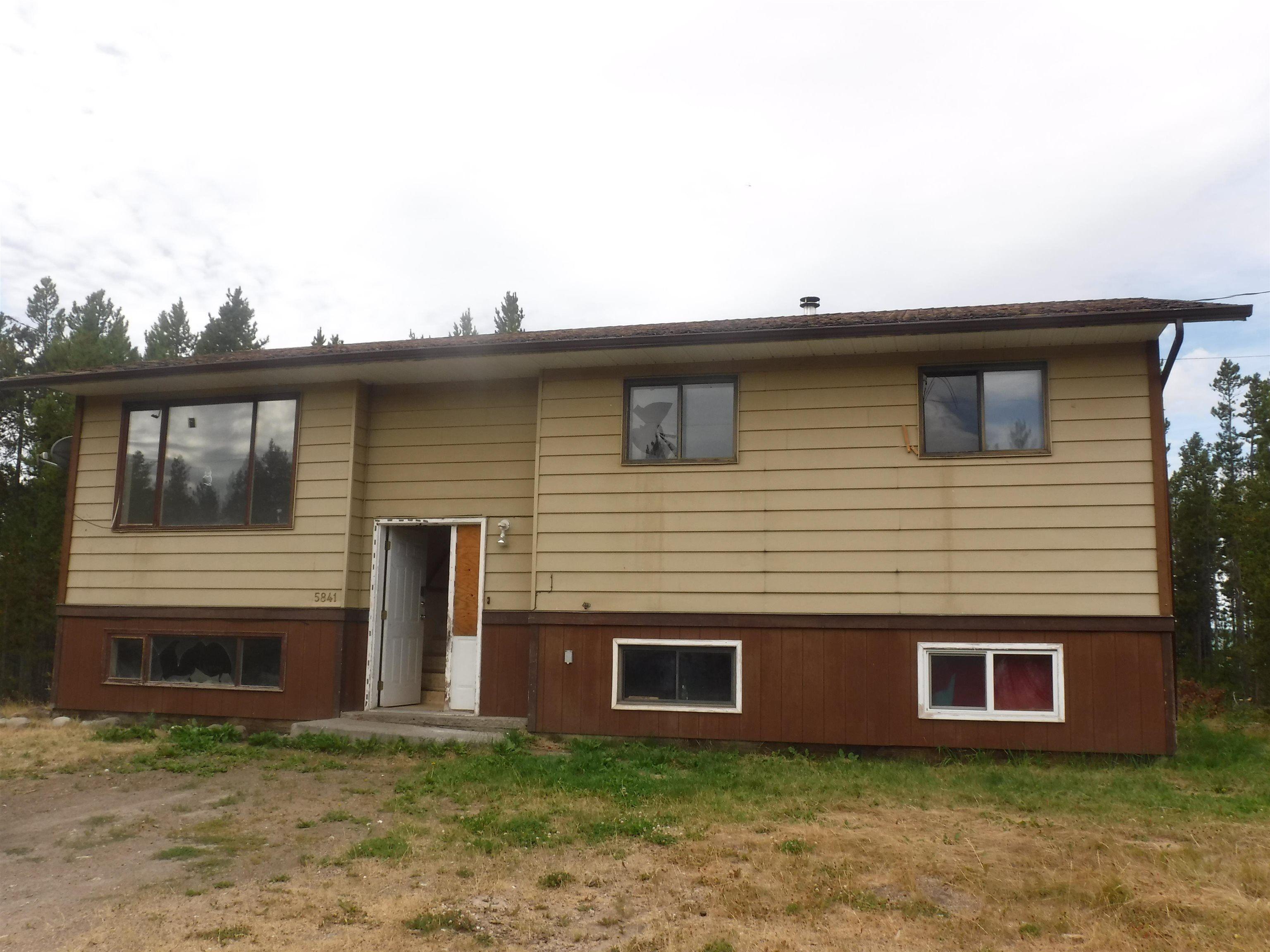Main Photo: 5841 THOMPSON Road in Williams Lake: Williams Lake - Rural West House for sale (Williams Lake (Zone 27))  : MLS®# R2616984
