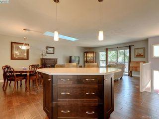 Photo 9: 3185 Monnington Pl in VICTORIA: La Glen Lake Half Duplex for sale (Langford)  : MLS®# 793814