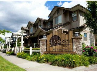 """Photo 2: 15 19250 65TH Avenue in Surrey: Clayton Townhouse for sale in """"Sunberry Court"""" (Cloverdale)  : MLS®# F1416410"""